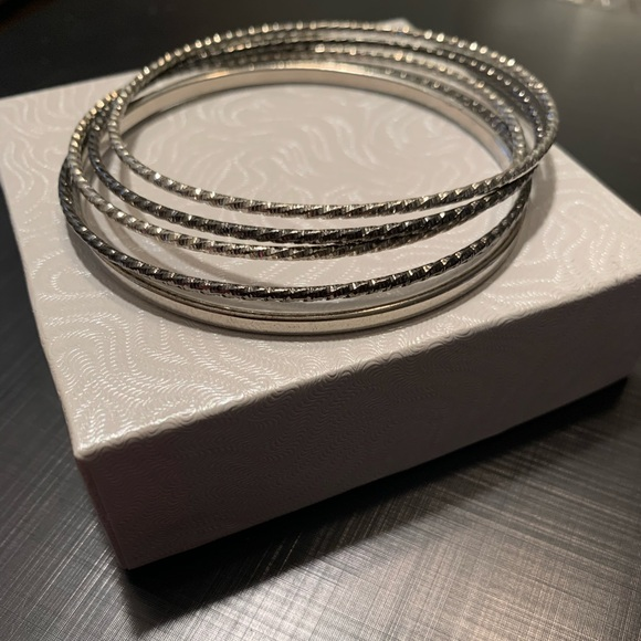 Lia Sophia Jewelry - Lia Sophia bangle bracelet set